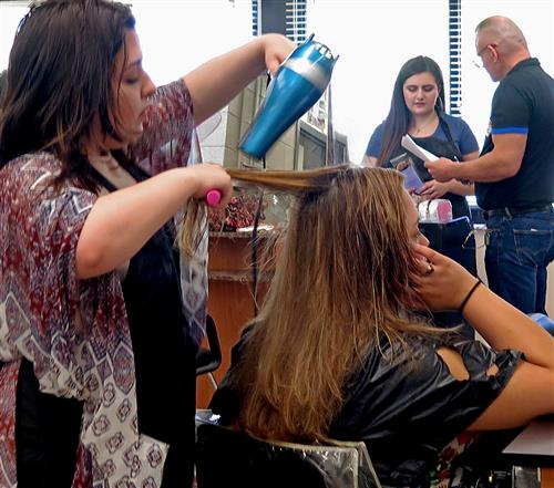 Academy Holds Pre-Interview Job Showcase for Cosmetology Students